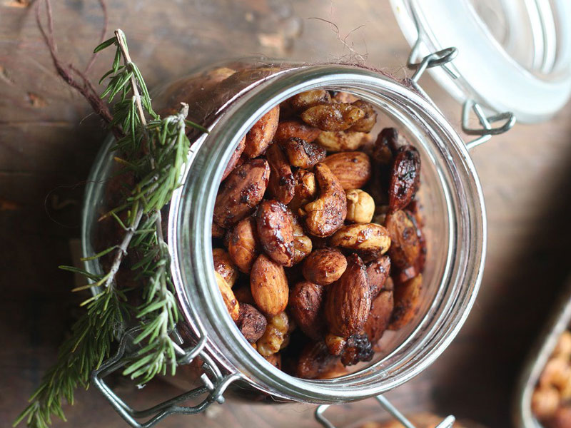 Hot and Spicy Recipes - Balsalmic nuts