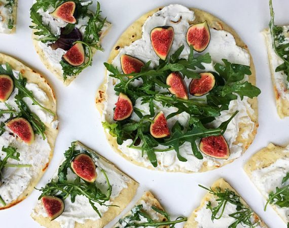 Fig-and-Cream-Cheese-Flatbread-with-Rocket