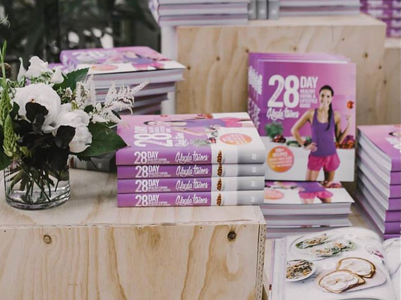 Kayla Itsines 28 Days Healthy Eating and Lifestyle Guide