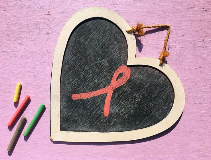The Pink Products to Buy to Support Breast Cancer