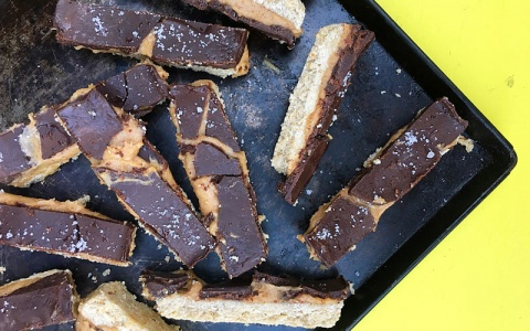 Raw Chocolate Caramel Slices
