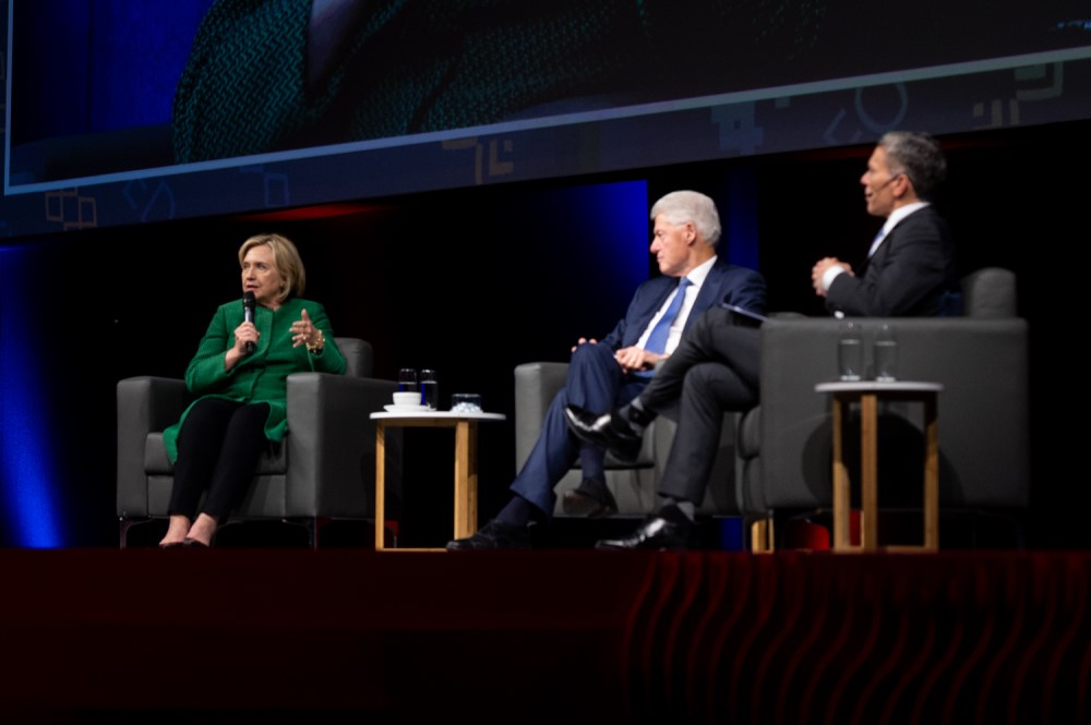 Notes from the 2018 Discovery Leadership Summit - Bill and HIlary Clinton
