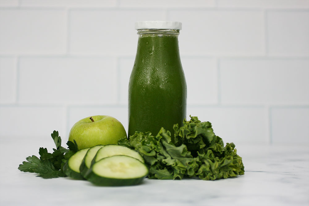 Greenis Twin Star Juicer - Kale Apple Cold Pressed Juice