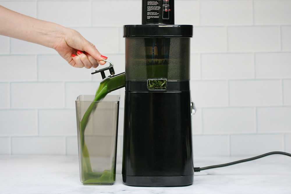 5 Days and 5 Cold Pressed Juices with the Greenis Twin Star Juicer
