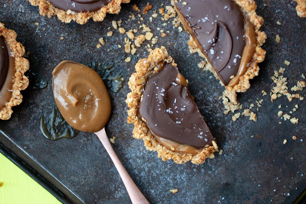 Vegan Chocolate Caramel Tarts