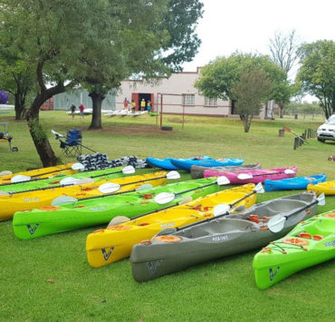 Chris (gently) Reviews The Paddling Race With Vagabond Kayaks