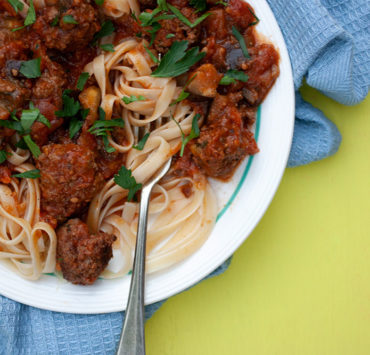 Chunky Tomato Sauce with Meatballs