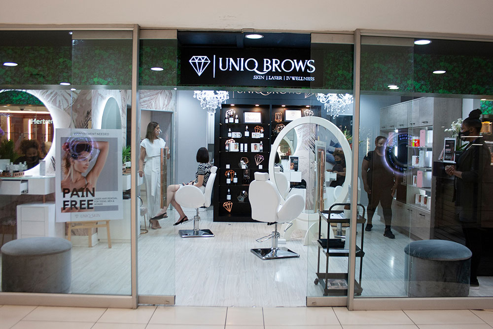 Brow Lamination with Uniq Brows